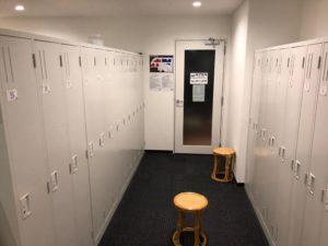 ロッカー室