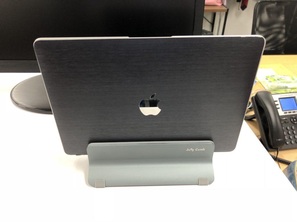 Macと台座