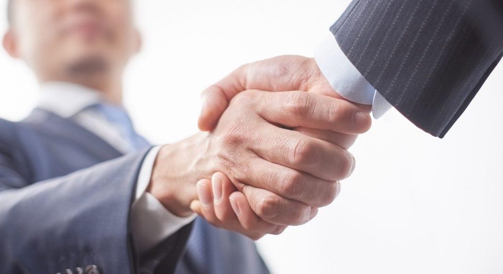 上司_握手のコピー